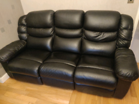 """Electric recliner sofa - Black leather """"lay z boy cool"""""""
