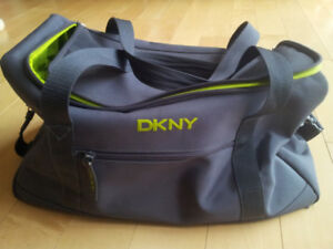 cdd625fd7d5 Duffle Bags   Kijiji in Ontario. - Buy, Sell   Save with Canada s  1 ...