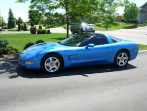 1997 Chevrolet Corvette Coupe (2 door)