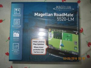 Magellan RoadMate 5520-LM 5inch Touchscreen GPS with Free lifeti