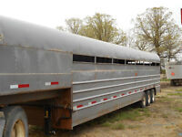 Triple Axle Livestock Trailer Cattle Trailer Safety Certified