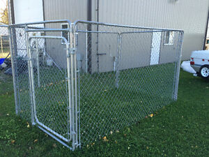 Chain link dog run / kennel