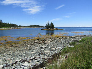 1100 FT. OF OCEAN FRONTAGE-CLOSE TO HALIFAX, N.S.
