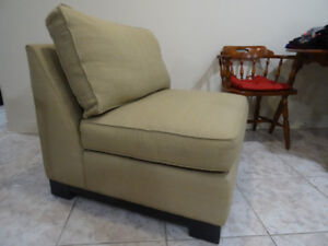 !! Comfortable- Large-Fabric-Chair from DeBoers !!