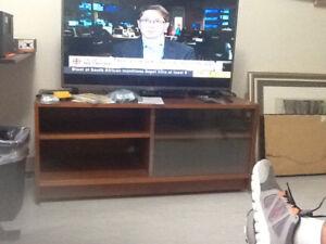 TV STAND -- OAK VENEER WITH GLASS DOORS