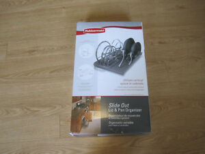 Rubbermaid: Slide out Lid and Pan Organizer