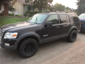 2006 Ford Explorer! 4x4 and two sets of wheels!!
