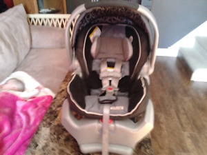 Graco SnugRide 35 2013/09/18 and quick base