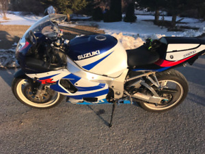 2000 gsxr 750  for trade