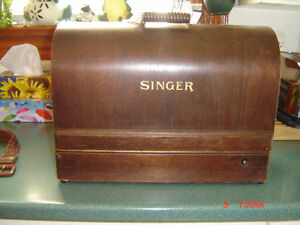 SINGER CLASS 99 SEWING MACHINE