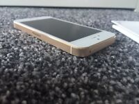 iPhone 5s - White / Gold - immaculate condition