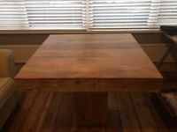 Beautiful mango wood dining table. Excellent condition