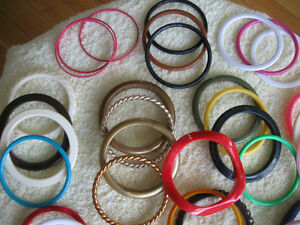 OLD VINTAGE GROUP of COLOURFUL PLASTIC BANGLES from the '60's