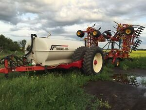 Bourgault 5710 drill. -bourgault 6350 tank. -2400 liquid cart.