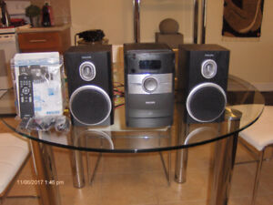 PHILIPS AM/FM STEREO WITH REMOTE CONTROL