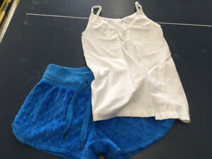 Triple flip Joshua Aritzia aero garage tops and shorts
