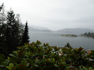 Magnificent Property On the Water on 3 levels with cottage /deck North Shore Greater Vancouver Area image 4