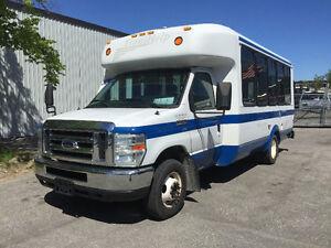 2009 Ford E-350 Wheelchair Bus Passenger Bus