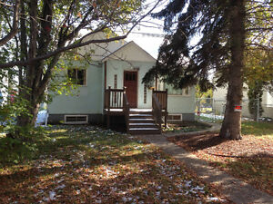 2+2 Bedroom Bungalow Cental Edmonton 107 St. 108 Ave.