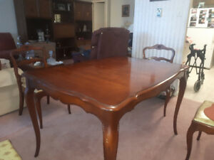 Hardwood maple table 6 chairs 2 leads and matching China hutch