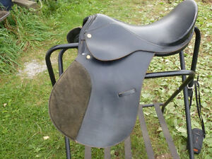 16 1/2 used black English saddle by Griffith
