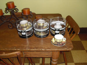 New set of 6 expresso cappuccino latte coffee cups & saucers