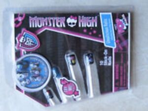 Brand New Monster High Ghoulicious 10 Stick-On Nails