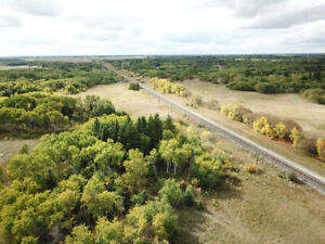 Land to build your dream home on in Manitoba close to hwy #1
