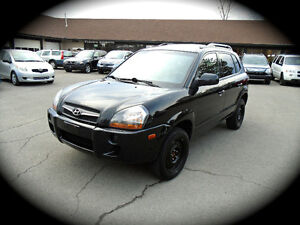 2009 Hyundai Tucson, Auto,4Cyl., MOONROOF, HEATED SEATS & *NAV*