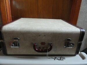 """Valise """" Vintage """", à vendre."""