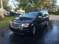 2008 Chrysler Town & Country, limited 4 litres