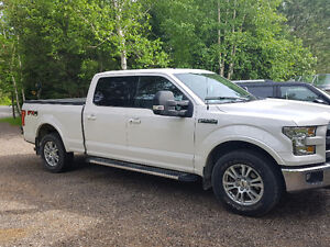 2015 Ford F-150 Lariat SuperCrew Pickup Truck