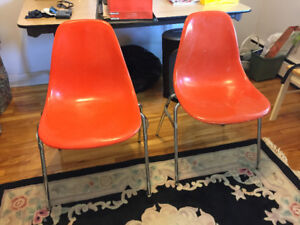 Eames style mid century modern fibreglass chairs