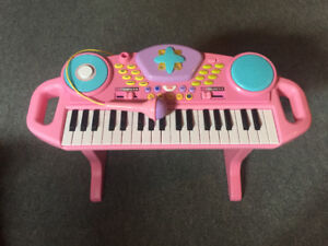 Toy Piano w/ microphone and bench