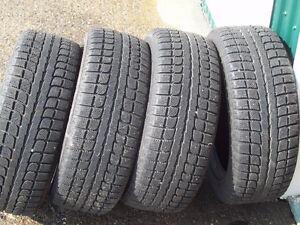 4 bon pneus Hiver Maxtrek 195 55 R15
