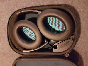 Bose QC 25 headphones with noise canceling