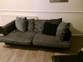 Sofa FREE JUST NEEDS PICKING UP