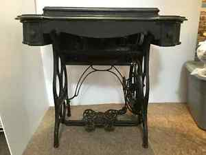 1890's Eldredge B Treadle Sewing Machine in cabinet Strathcona County Edmonton Area image 4
