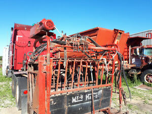 Hydraulic Cattle Squeeze