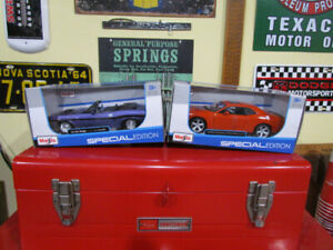 Collectible Die-cast Mopar Cars Dodge Challenger R/T SRT/8