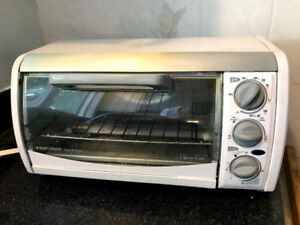 ~Like New~ Toaster-R-oven timer and 4 four slices toaster ovenf