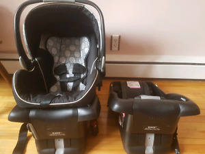 Britax B-Safe carseat and extra base