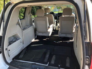 2011 Dodge Grand Caravan Stow-N-Go.