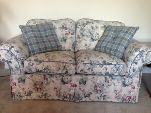 Couch set in perfect condition