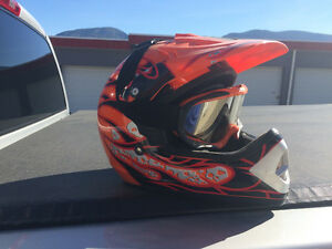 ATV XL HELMET IN NEW CONDITION
