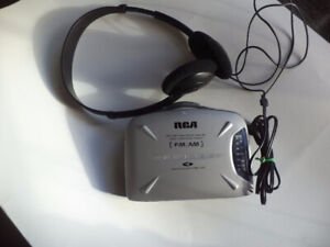 Rca FM/AM personal stereo radio cassette player