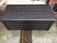 Keter storage box /bench