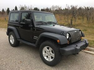 2010 Jeep Wrangler Sport Coupe c/w Blue Ox RV Towing Gear