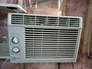 Air Condition for Sale for $ 100 or best offer