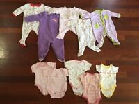 5 onesies, 5 body suits. Size 0-3 months. Like new!!